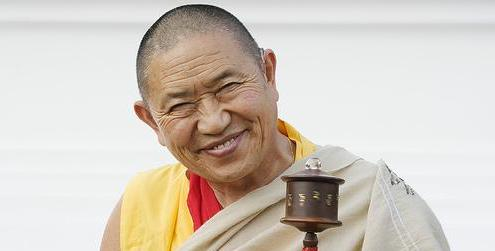 garchen_rinpoche_white_robe_crop.jpg
